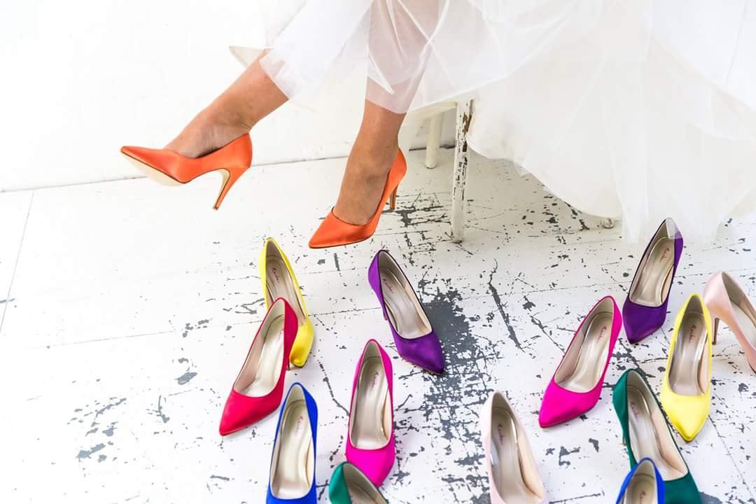 Chaussures-de-mariee-couleur-rainbow-var