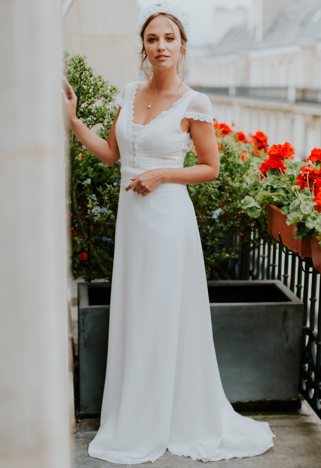 Robe De Mariee Boheme Florence Elsa Gary Fluide A Plumetis A Toulon